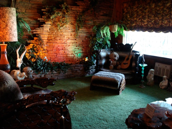 The Jungle room.... are you bored yet?